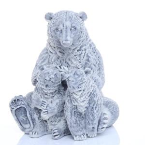 Медведица с медвежатами 1