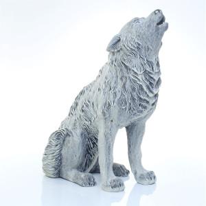 Волк воет большой