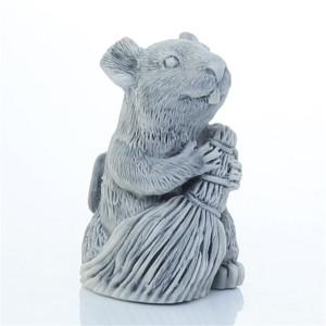 Крыса с веником