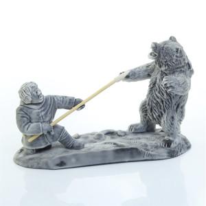 Охотник и Медведь
