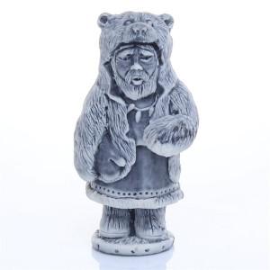 Шаман в шкуре медведя маленький